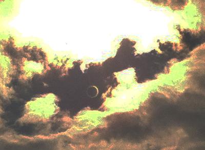 金環日食の空 ズームイン